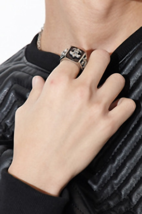 EMBO GEMSTONE SCOUT RING 원석 스카웃링[one color / one size]